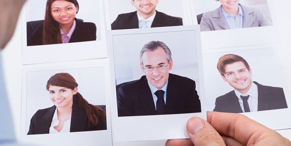How to Use Social Media to Recruit Employees