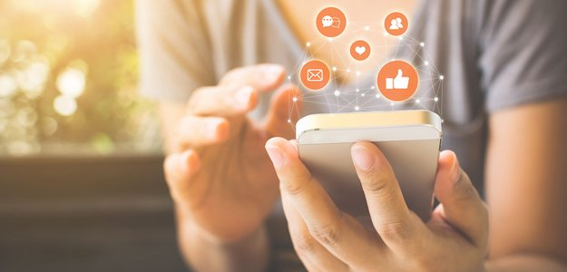 Read more about the article How Do Insurance Agencies Use Social Media Marketing